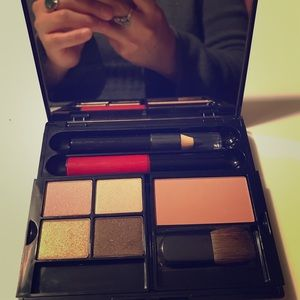 Maybelline makeup NIB missing sm eyeshadow brush